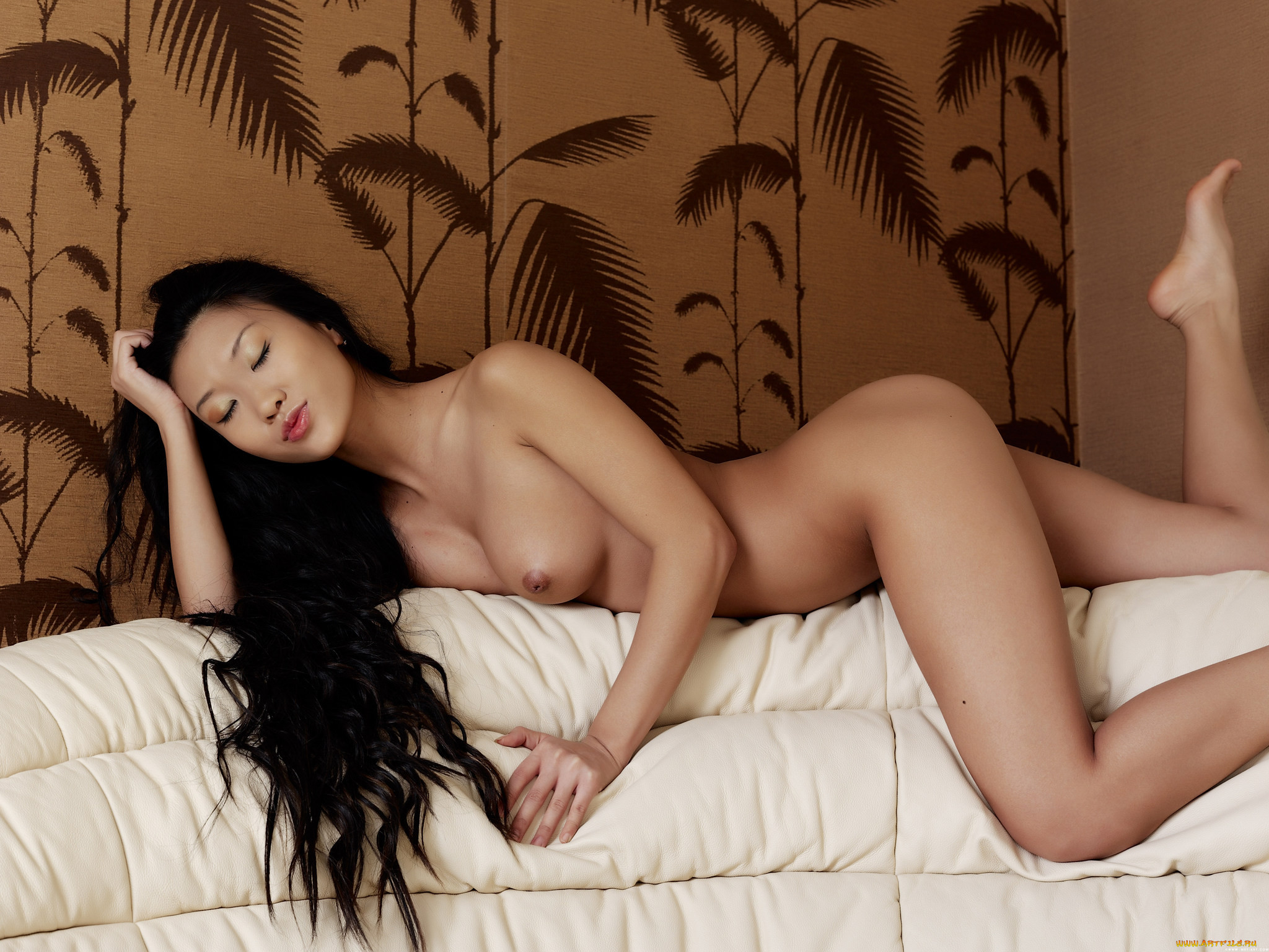 Проститутки япония фото проститутки тюмень шлюхи